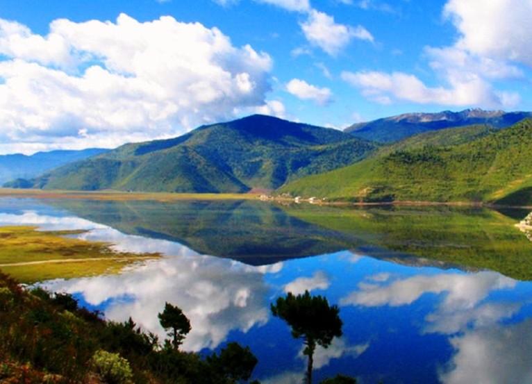 香格里拉石卡雪山 纳帕草原 香格里拉古城一日游
