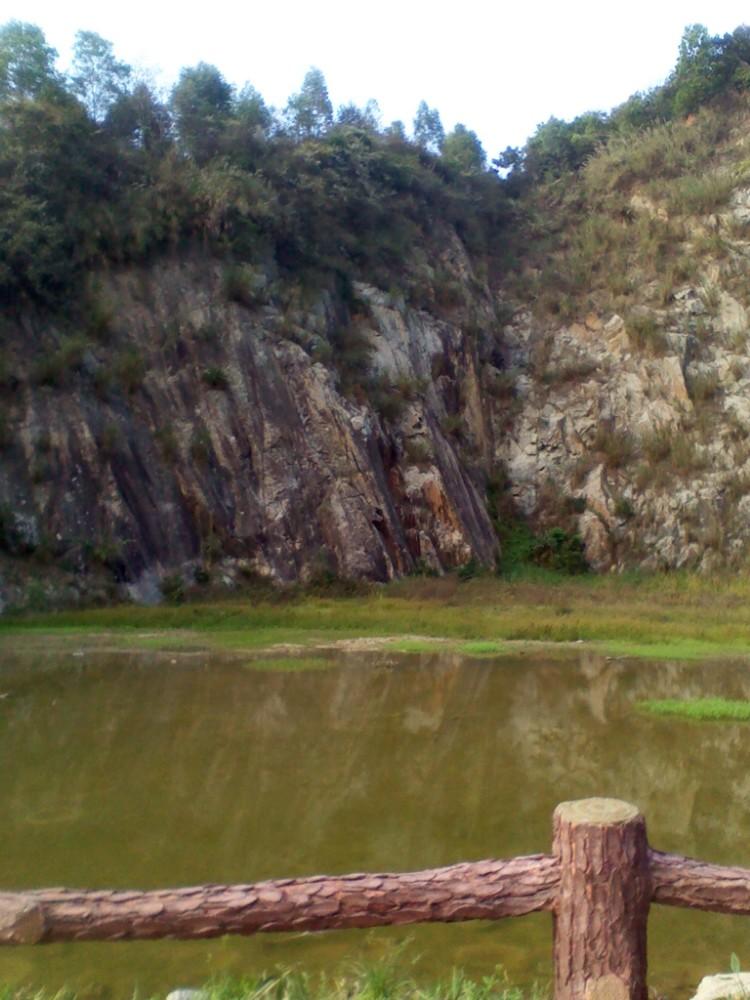 凤凰山骑行,风景优美,景色宜人,是一个非常适合绿色,出行的旅游景点