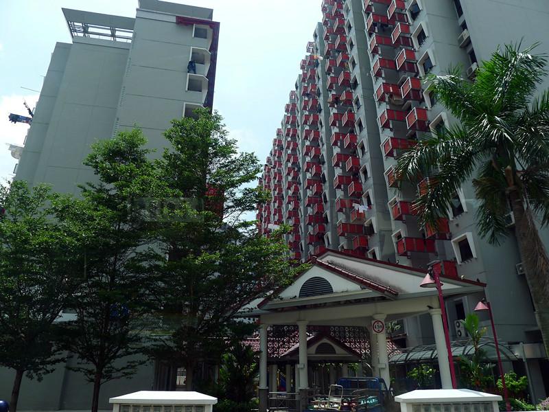 新加坡民房,晒衣服跟挂国旗