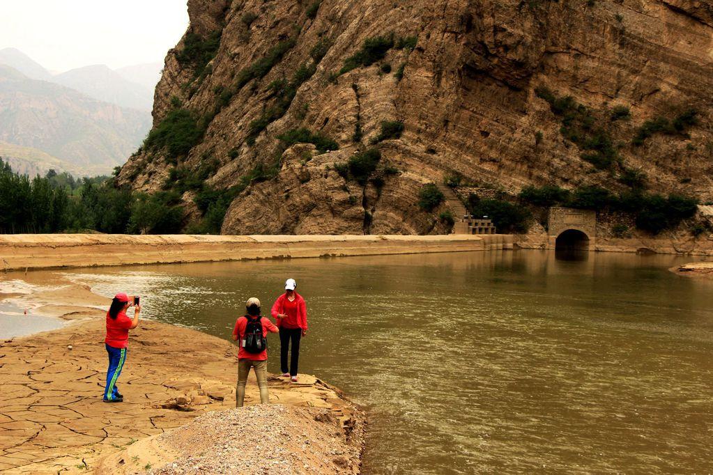 自驾游线路:北京马甸桥--京藏高速—涿鹿出高速—桑干河大峡谷—飞瀑