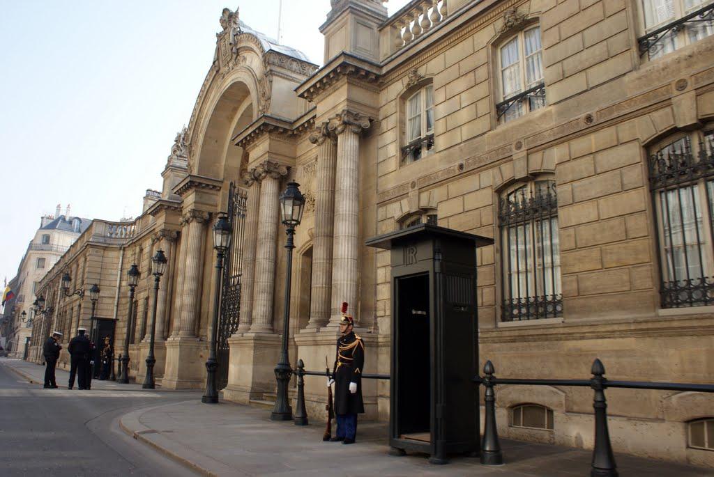 从1873年至今,爱丽舍宫一直作为共和国总统的官方居所,不供游客参观.