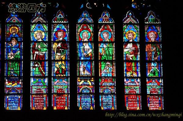 【巴黎圣母院】精美绝伦的彩绘玻璃窗