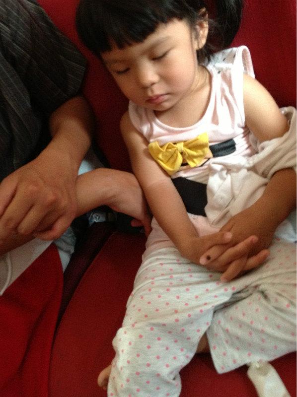 大连自由行第一天---宝宝第一次坐飞机