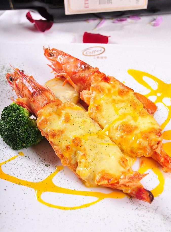 v兔肉兔肉:材料,芝士,百里香,大虾,饺子,盐,胡椒粉.大蒜包葱头配什么菜图片