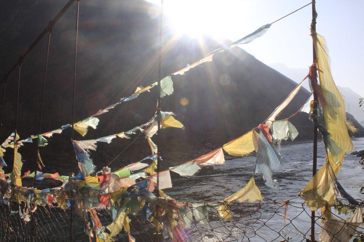 丹巴-嘉绒藏族藏民居住地-风马