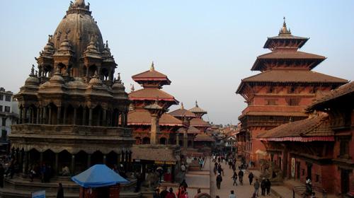 及其最负盛名的皇宫广场:这里共有五十座以上的寺庙和宫殿,分别修建于图片