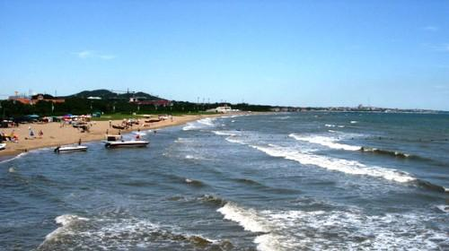南戴河仙螺岛景区依托蓝天碧海的自然优势,缘引美丽动人的海螺仙子的