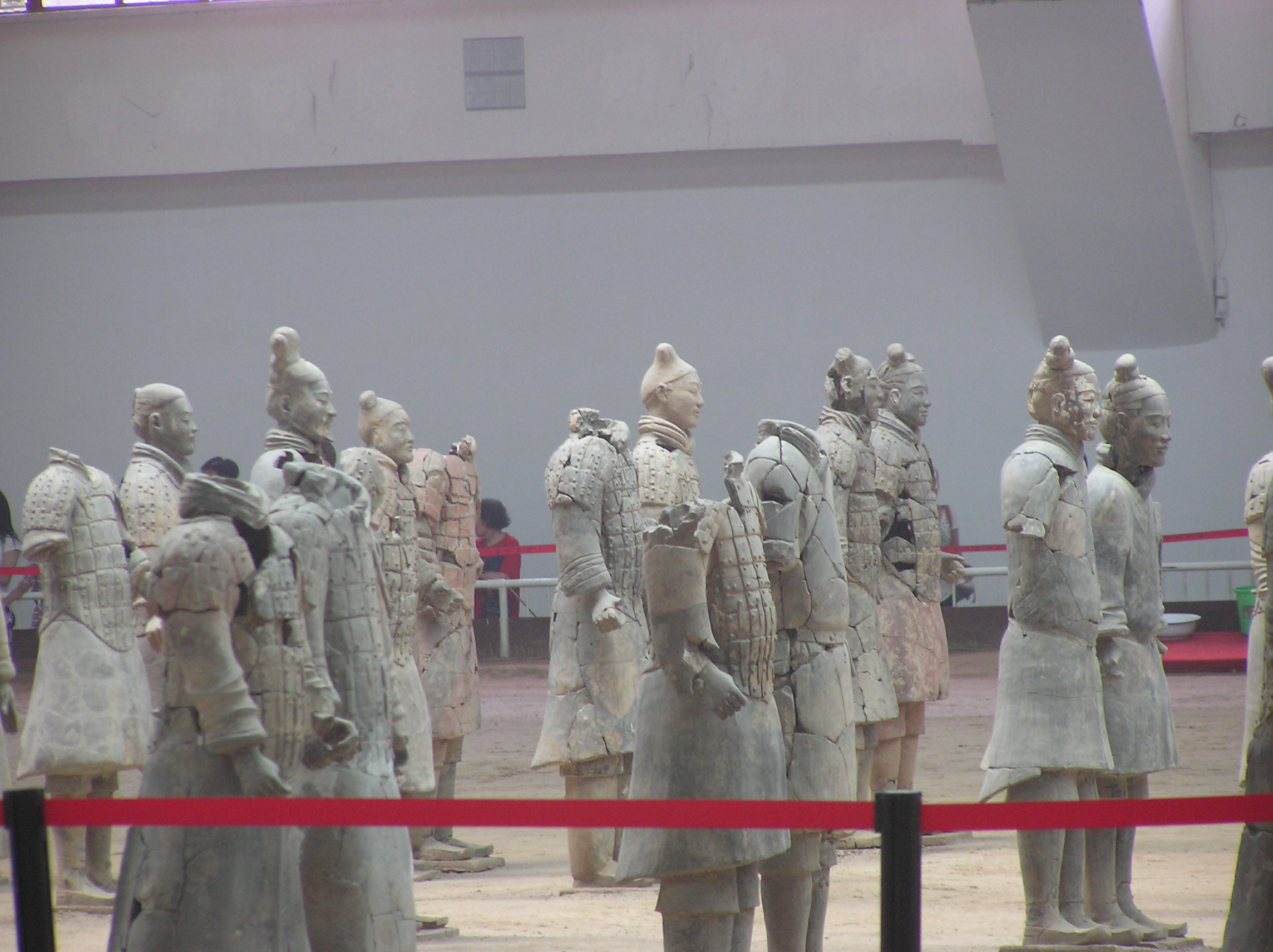 西安咸阳机场到兵马俑应该怎样坐车?大概时间?