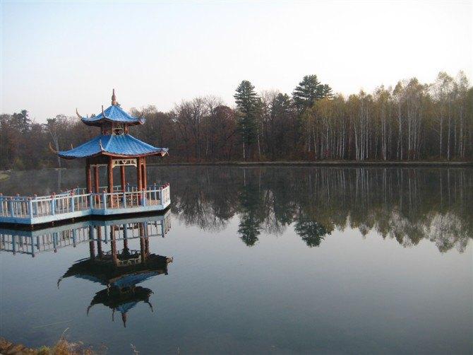 碧泉湖的美丽景色
