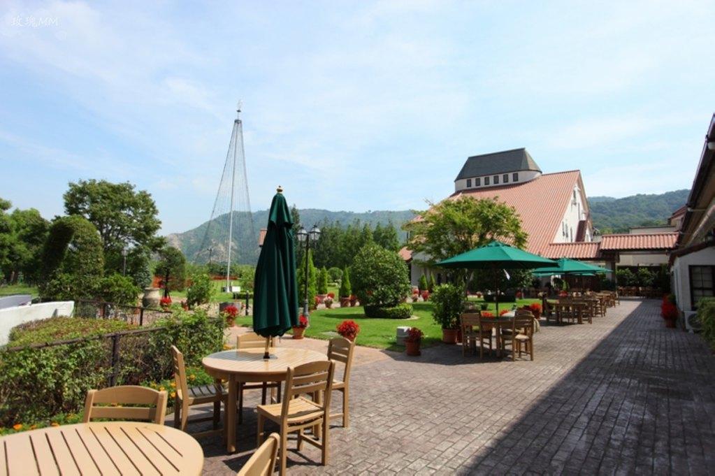还有个露天咖啡小花园欧式的建筑融合