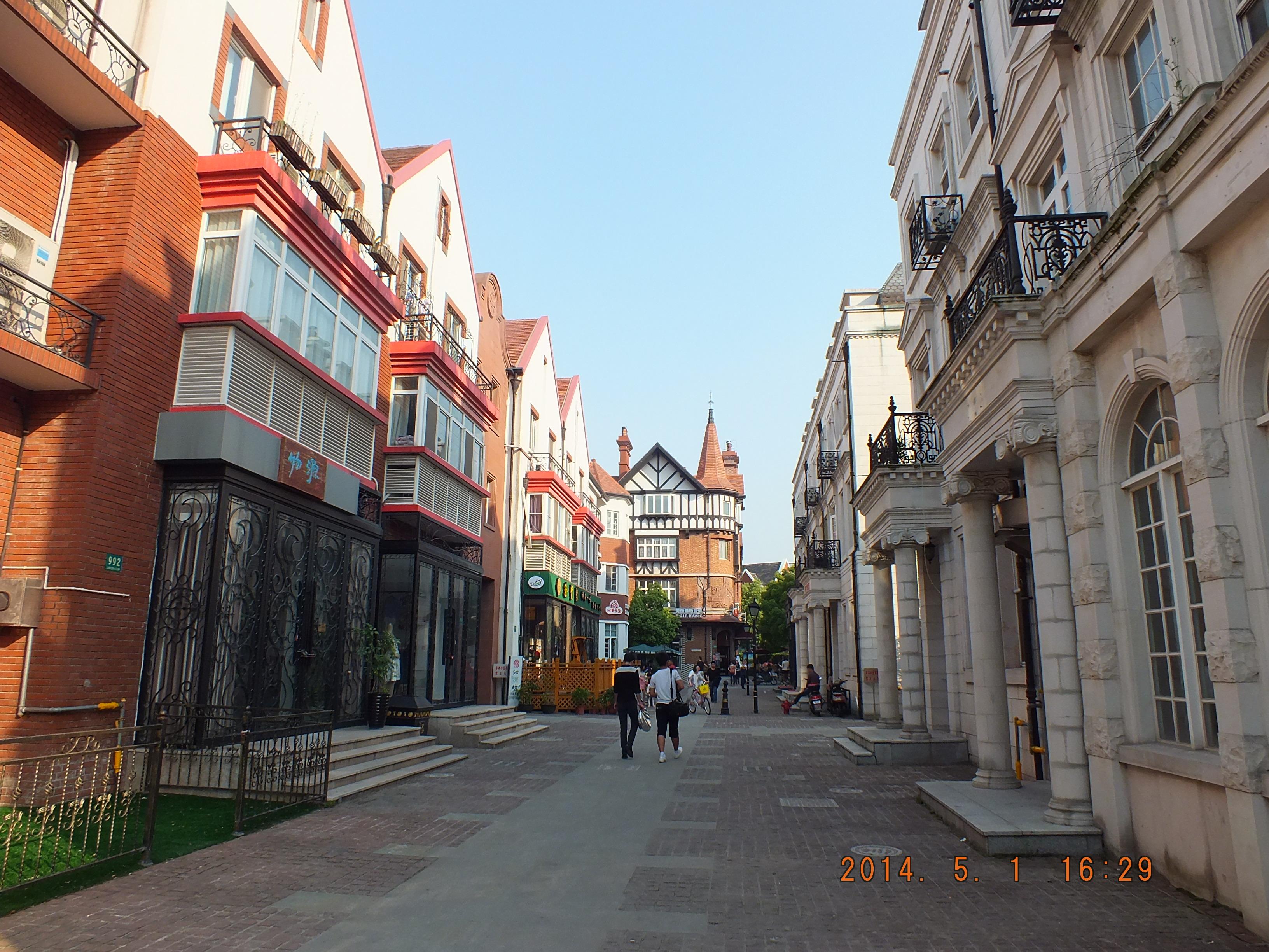 上海泰晤士小镇,典型的英伦风格高档别墅区图片