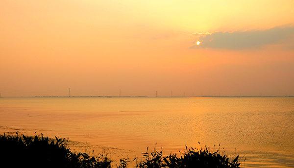 东太湖生态公园落日图片