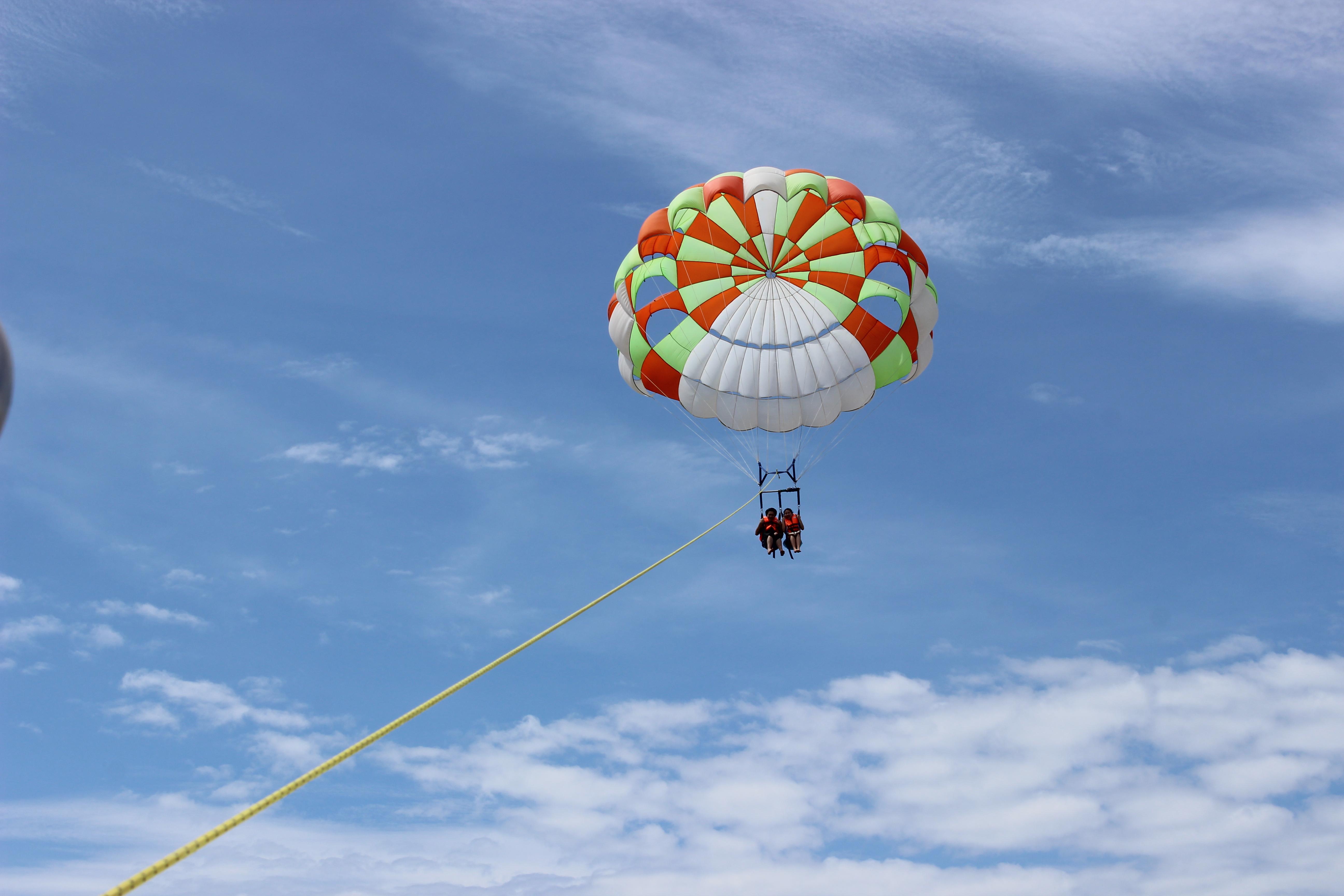 长气球编蜻蜓步骤图