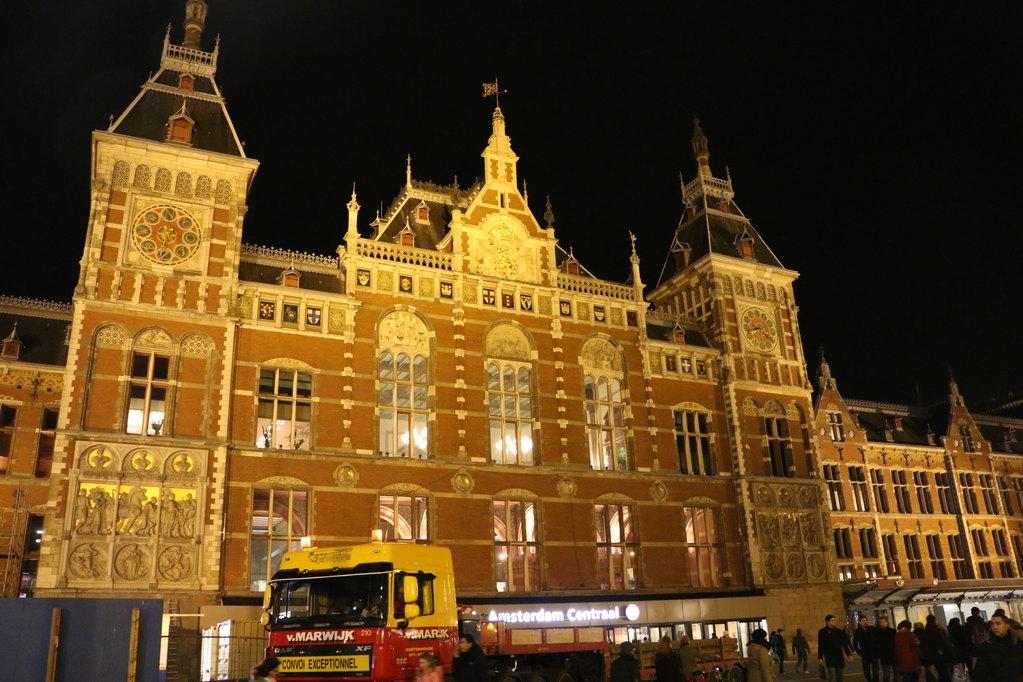 荷兰,法国,意大利,西班牙留学去哪个国家好?