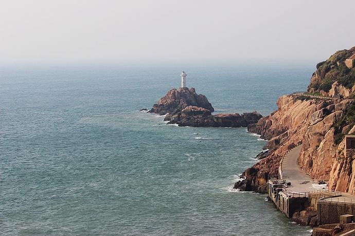 最后的三十分钟,远远看见,东福山岛的灯塔