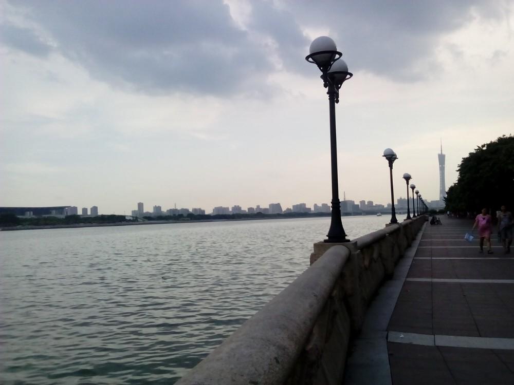 瑞丽江边小提琴曲谱
