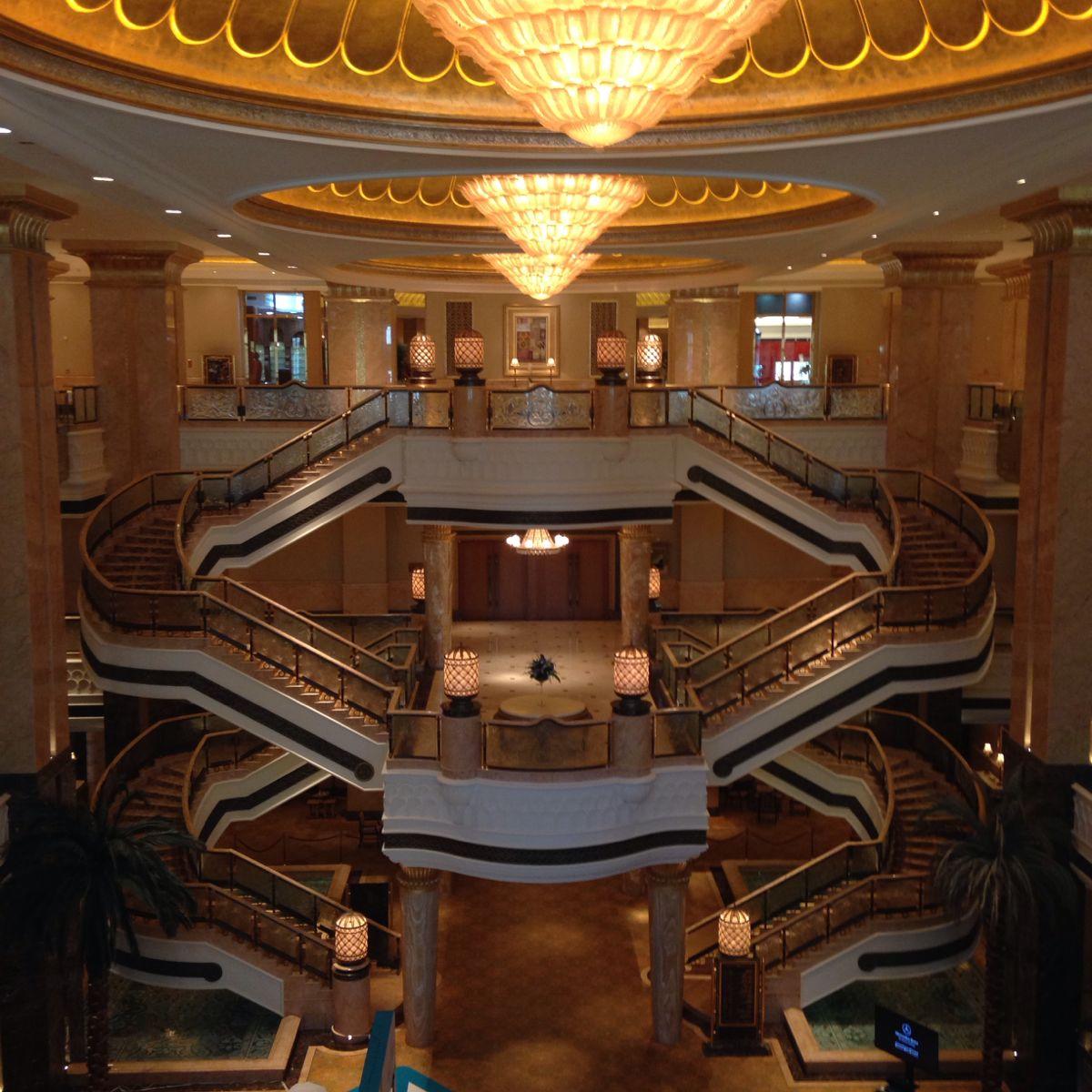 阿布扎比皇宫大酒店_阿布扎比八星皇宫酒店多少钱一晚