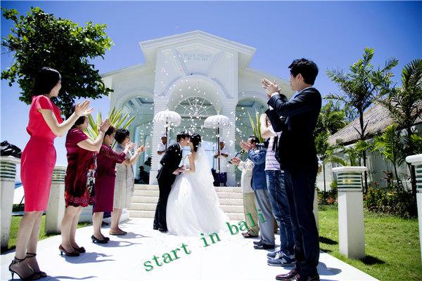 巴厘岛蓝点婚礼 婚纱照蜜月攻略