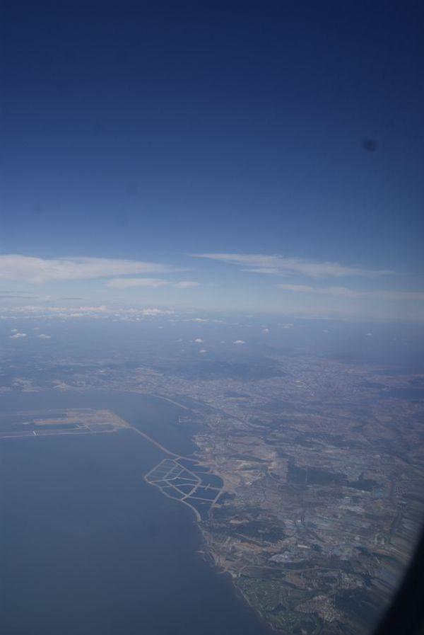 飞机盘旋中,再俯瞰一下