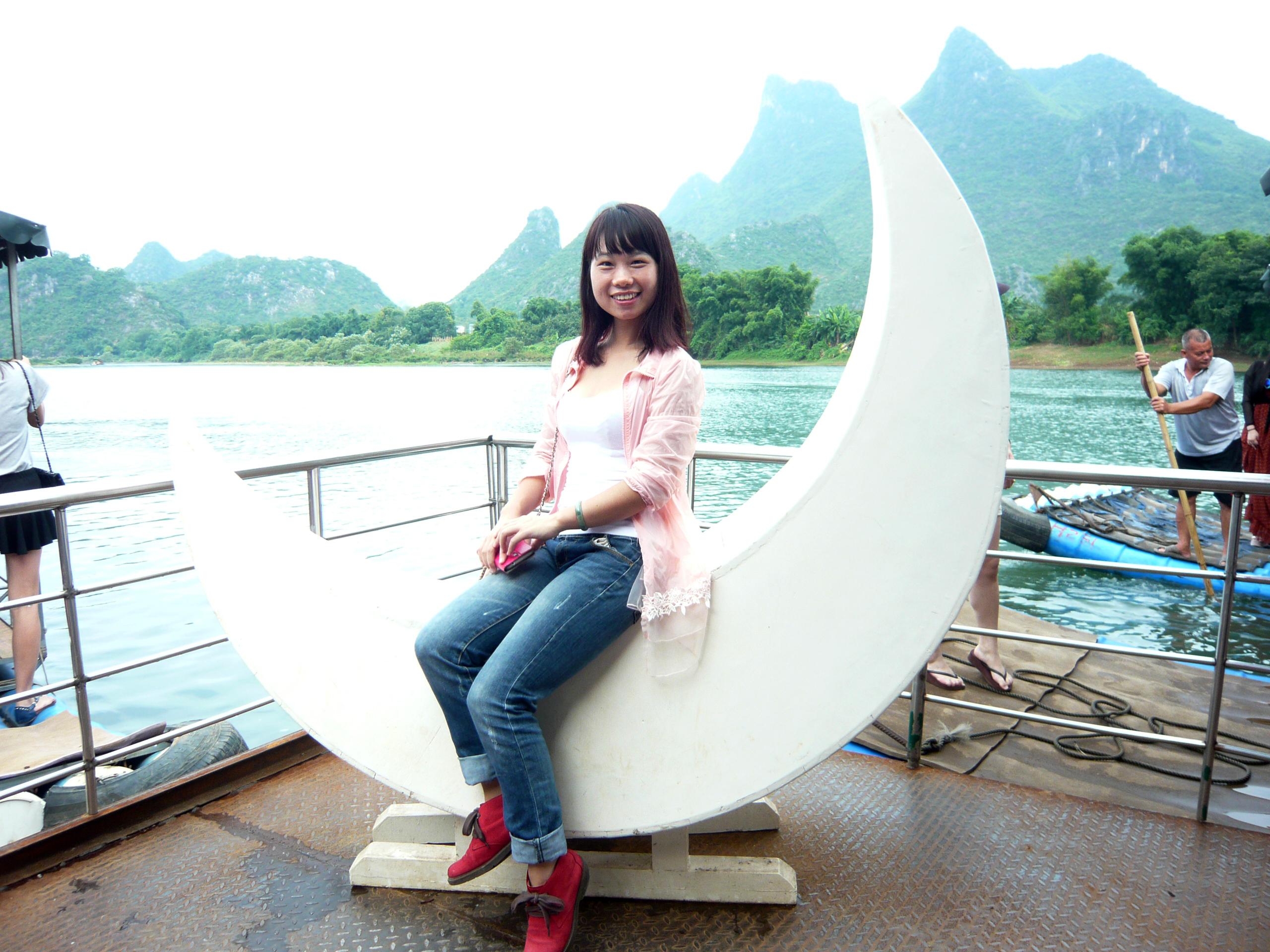 桂林阳朔美女艳遇记