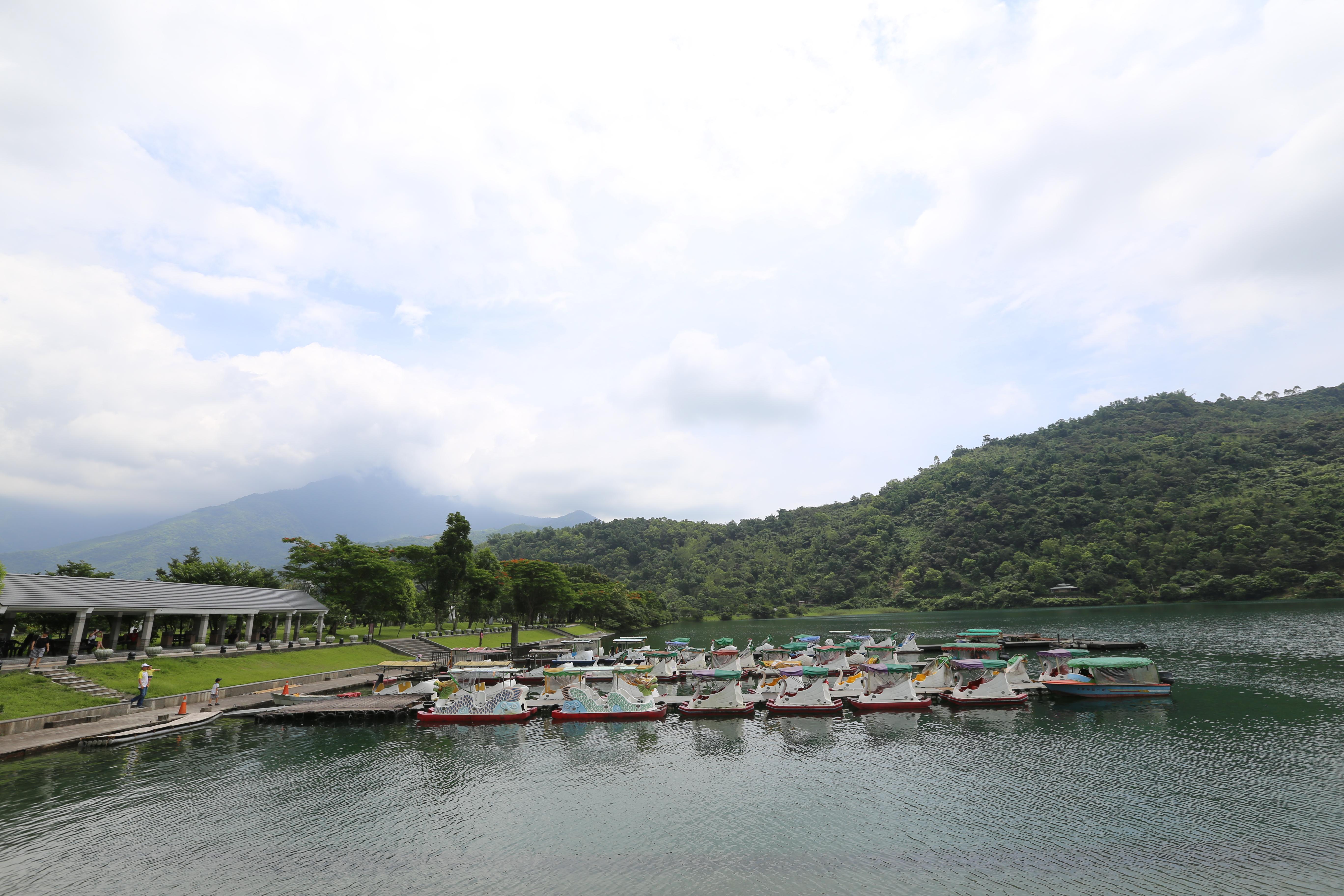 鲤鱼潭风景区