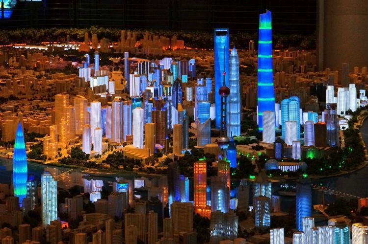 参观上海城市规划展示馆