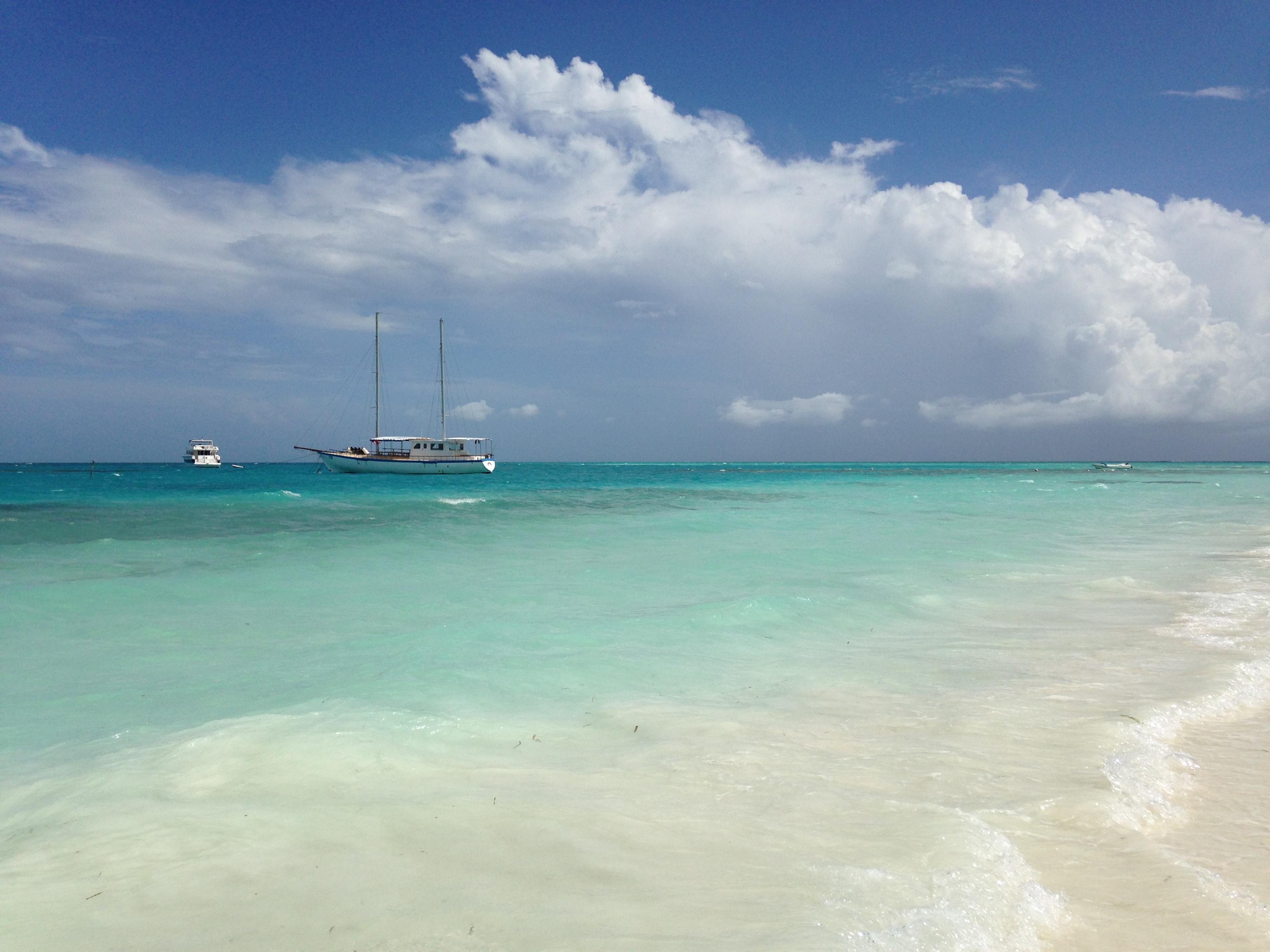 马尔代夫旅游攻略指南? 携程攻略社区! 靠谱的旅游攻略平台,最佳的马尔代夫自助游、自由行、自驾游、跟团旅线路,海量马尔代夫旅游景点图片、游记、交通、美食、购物、住宿、娱乐、行程、指南等旅游攻略信息,了解更多马尔代夫旅游信息就来携程旅游攻略。