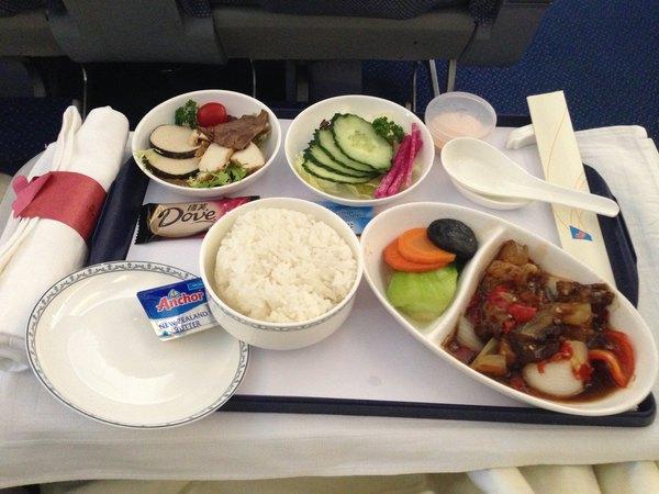 公司的飞机餐吧