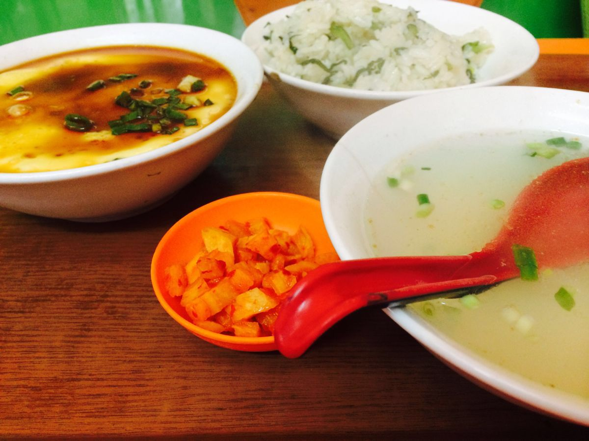 【携程攻略】上海营养菜饭骨头汤好吃吗