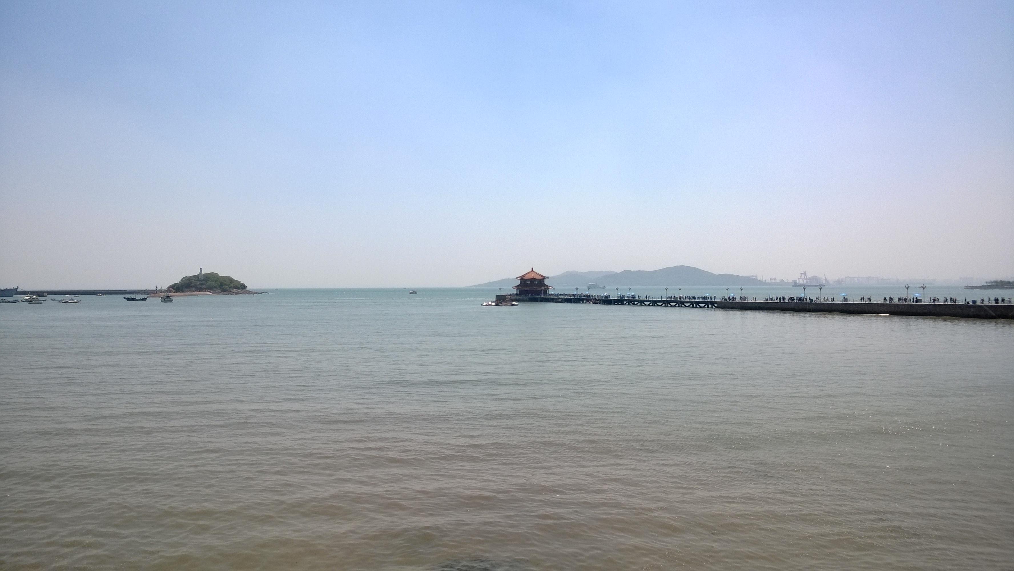 从崂山风景区到青岛栈桥附近的火车站