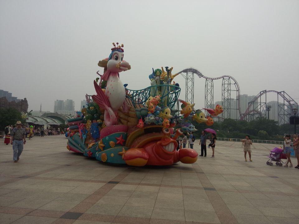 恐龙王园欢乐行,花车巡游