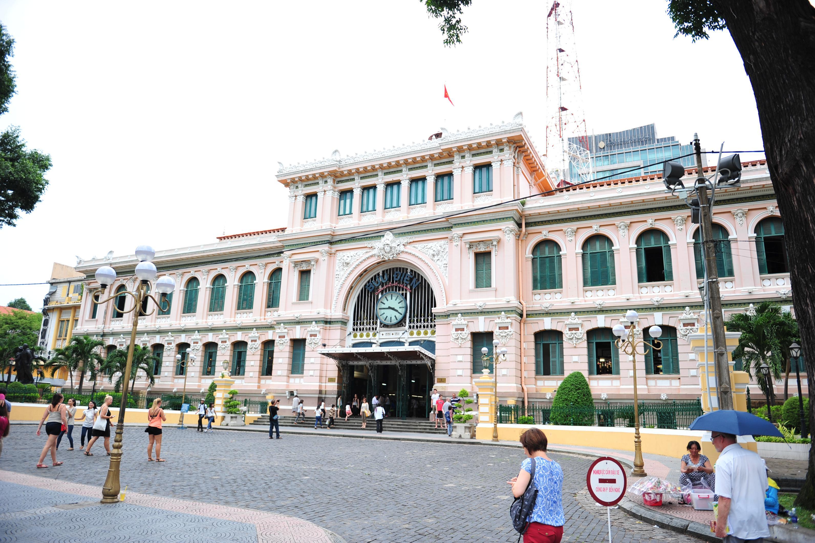 整座欧式风格大楼居然全部都是邮局,可以想象出里面是怎样的气派!