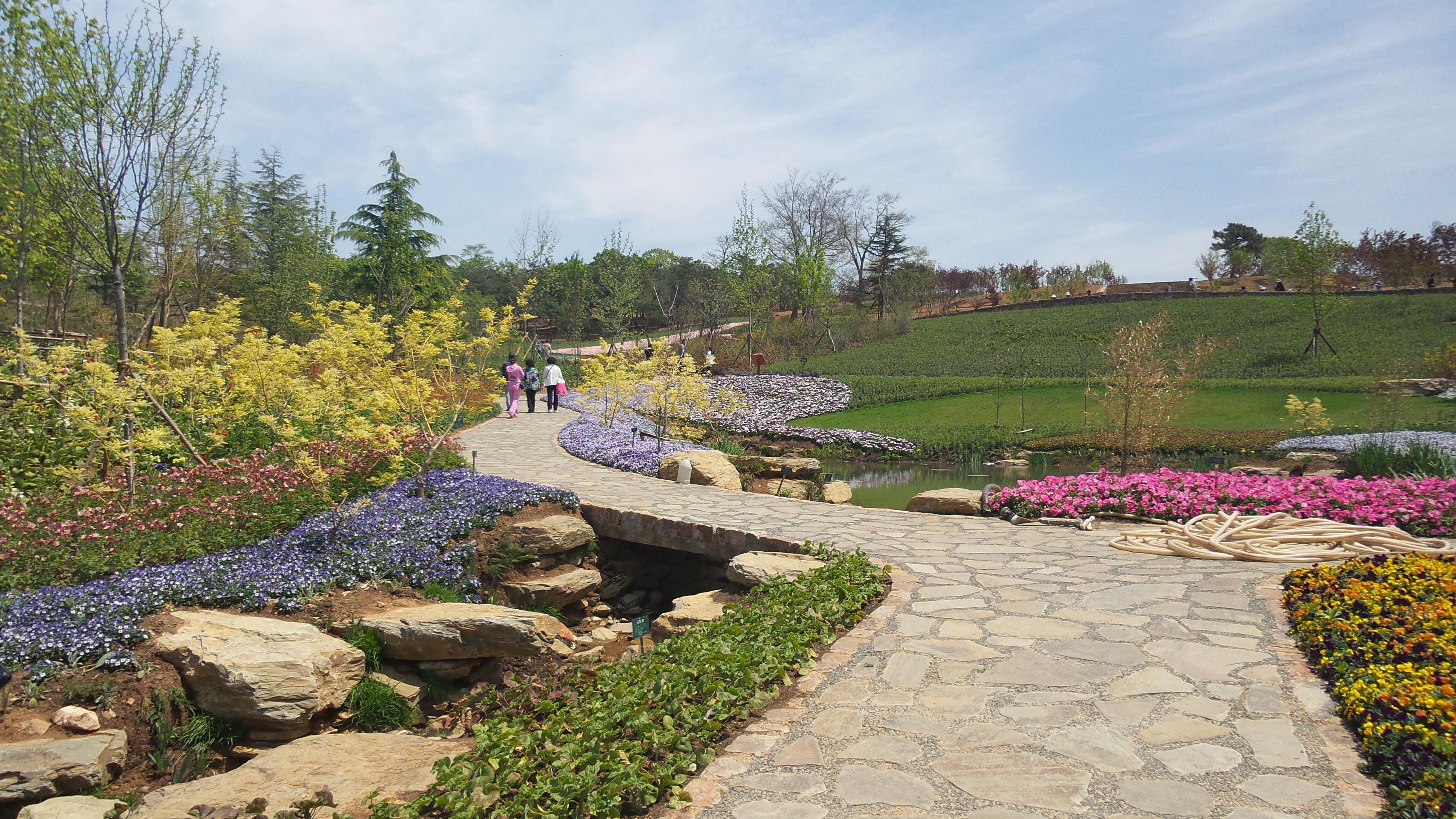 大连旅顺英歌石植物园