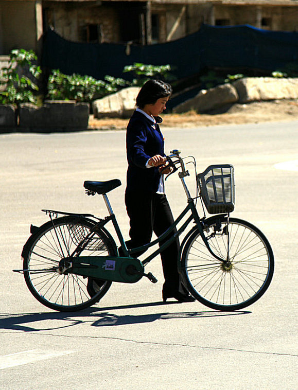 以外的美女,还是有女人骑自行车的嘛催眠熟睡地方图片