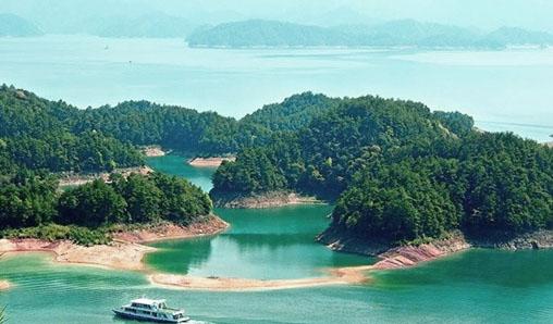 """有句话说""""不上梅峰观群岛,不识千岛真面目"""",梅峰岛是千岛湖众岛中图片"""