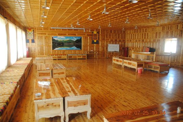 动物居住木房子图片