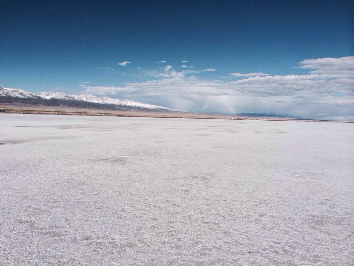 茶卡盐湖是柴达木盆地四大盐湖