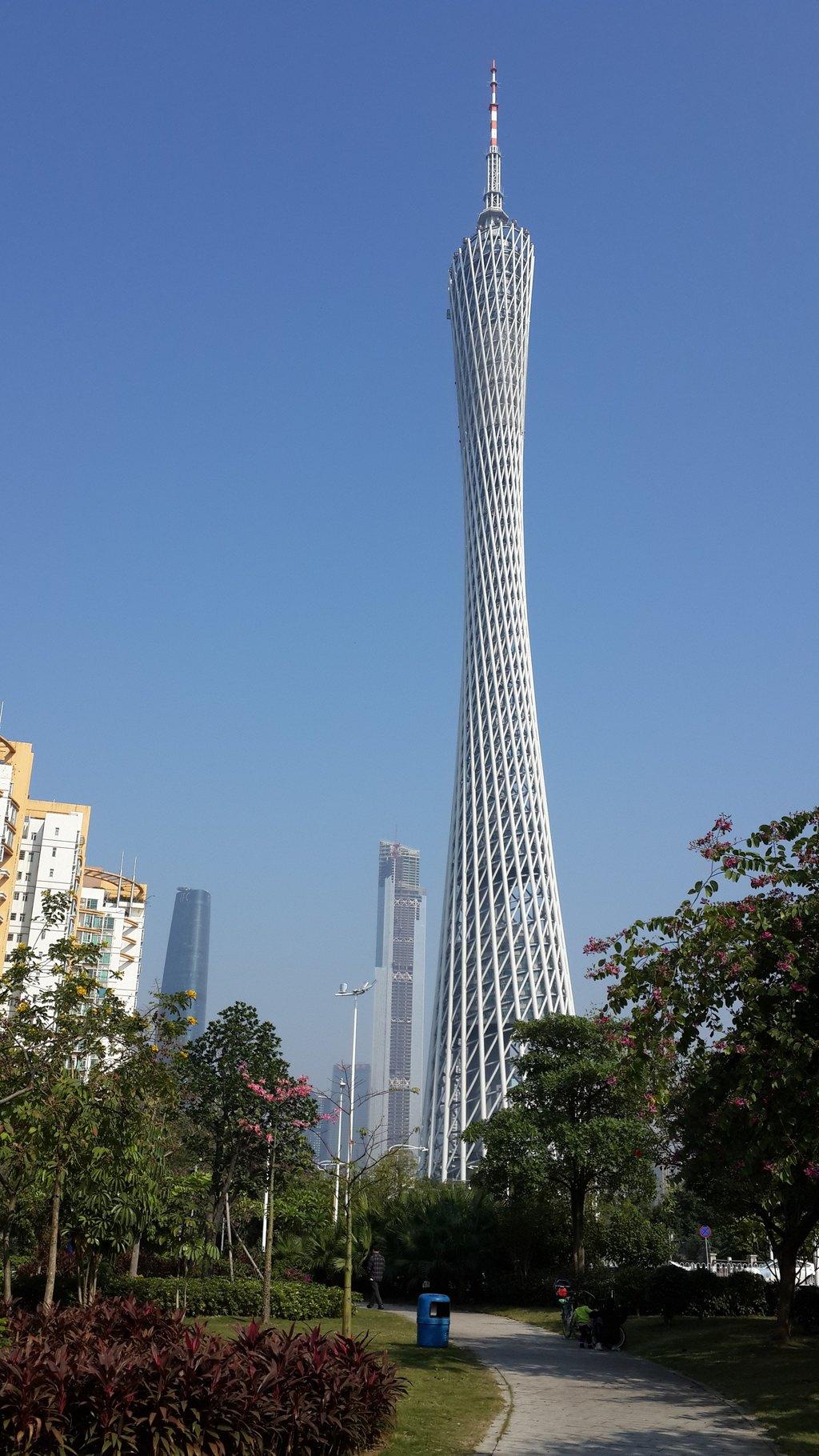 广州最美丽的城市标志物 - 广州塔(小蛮腰)