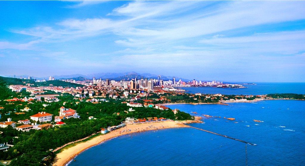 去青岛,看碧海蓝天,品海滩美酒