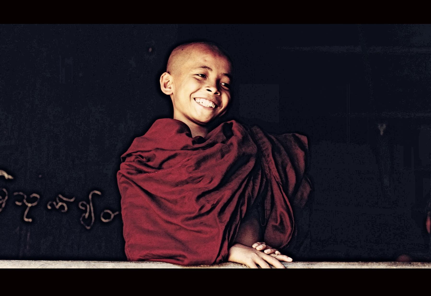 寺庙中快乐的沙弥, 茁壮地成长, 守着美好青春.