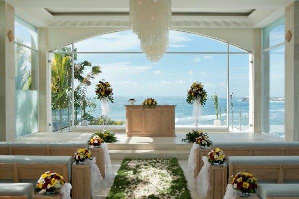 灰姑娘也可以有玻璃教堂婚礼(教你1万元办巴厘岛教堂