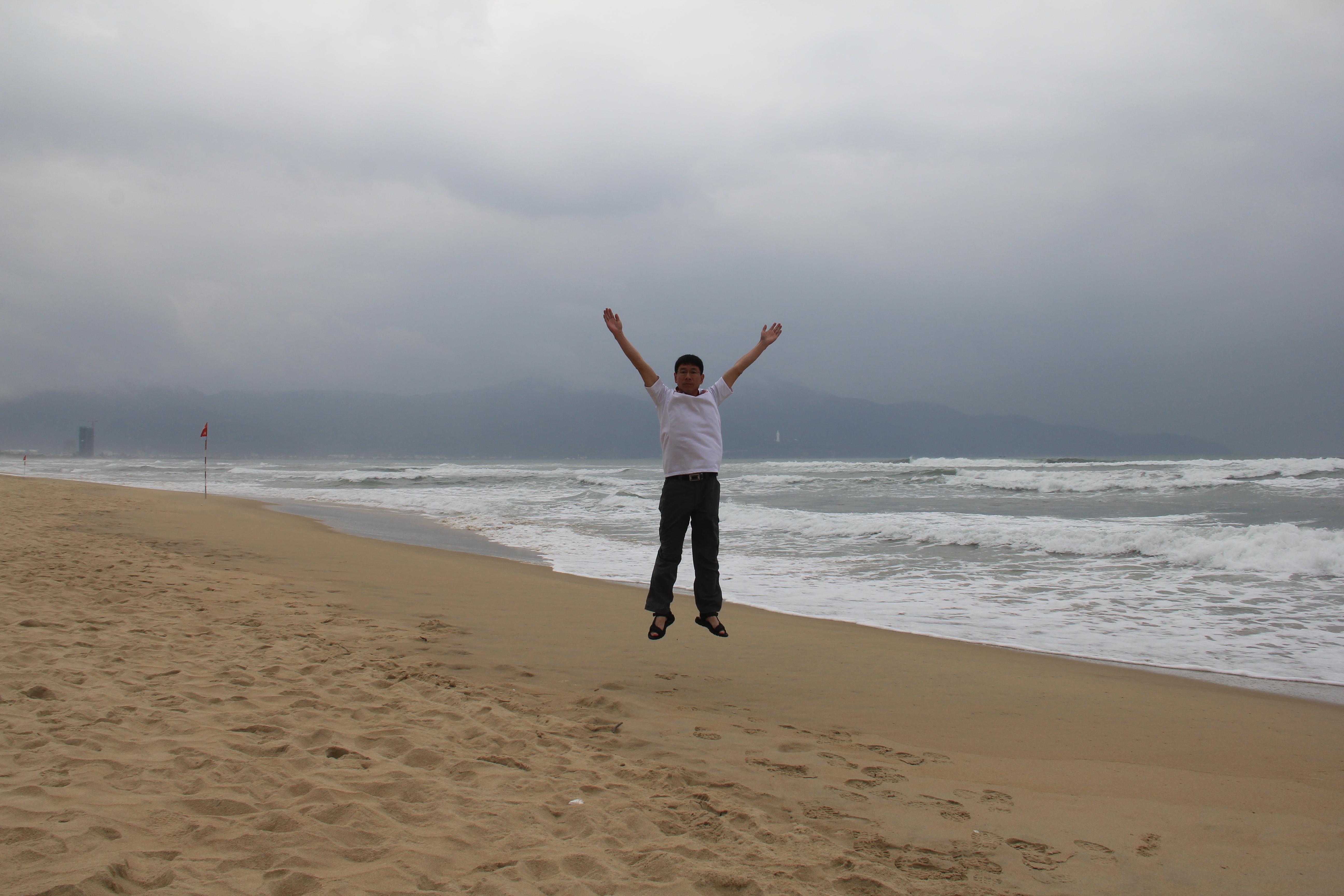 海滩聊天背景图