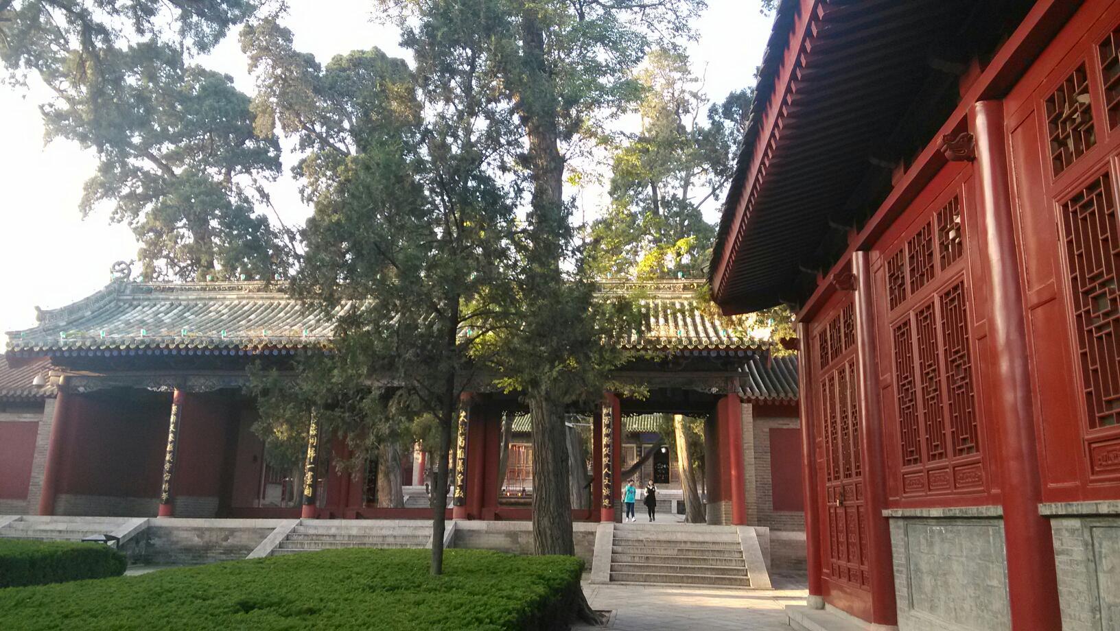 就和一般的庙的构造基本相似