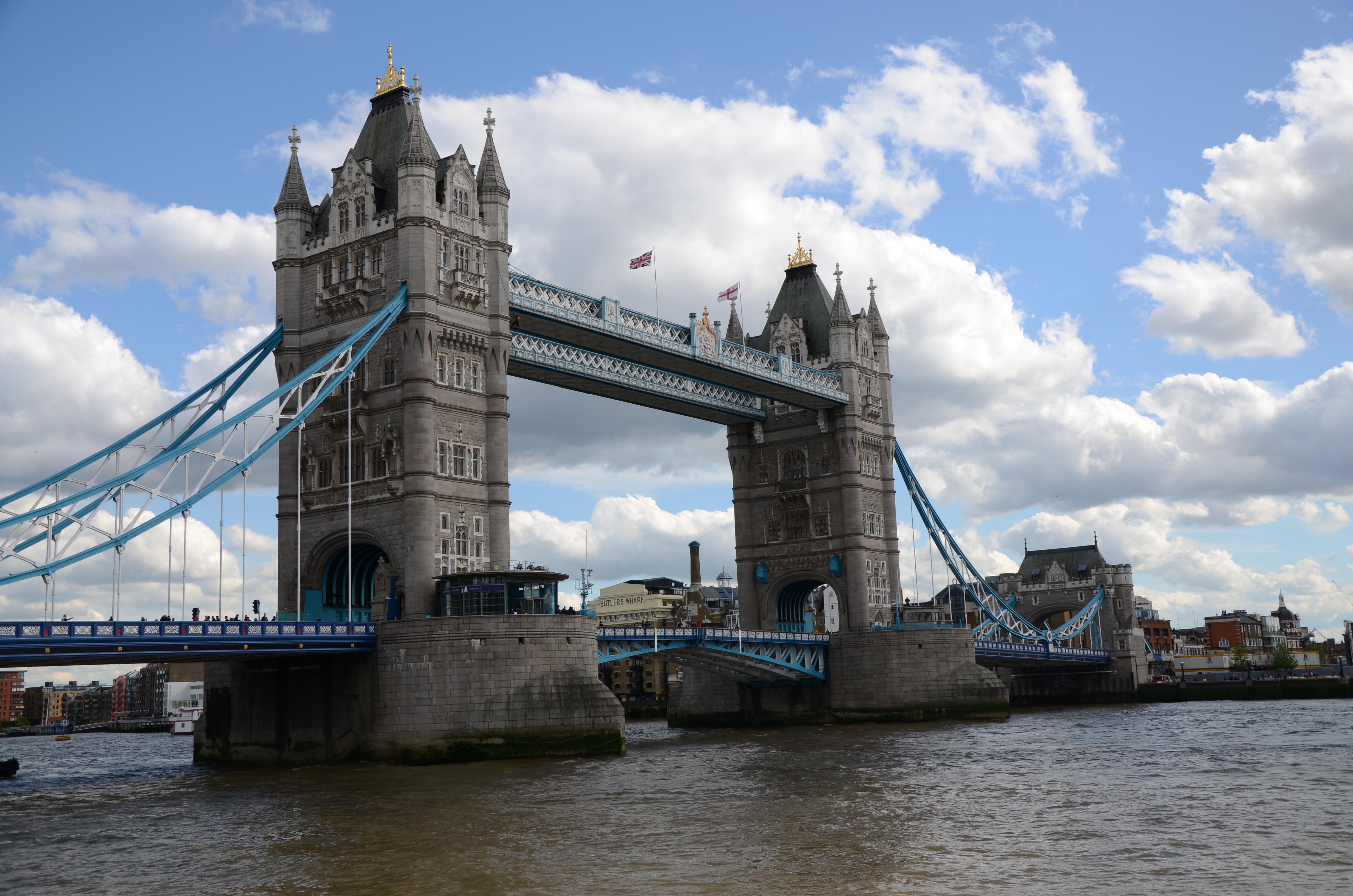 英国伦敦大桥手绘图