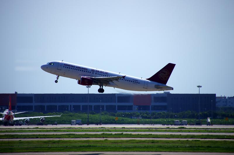 浦东机场飞机