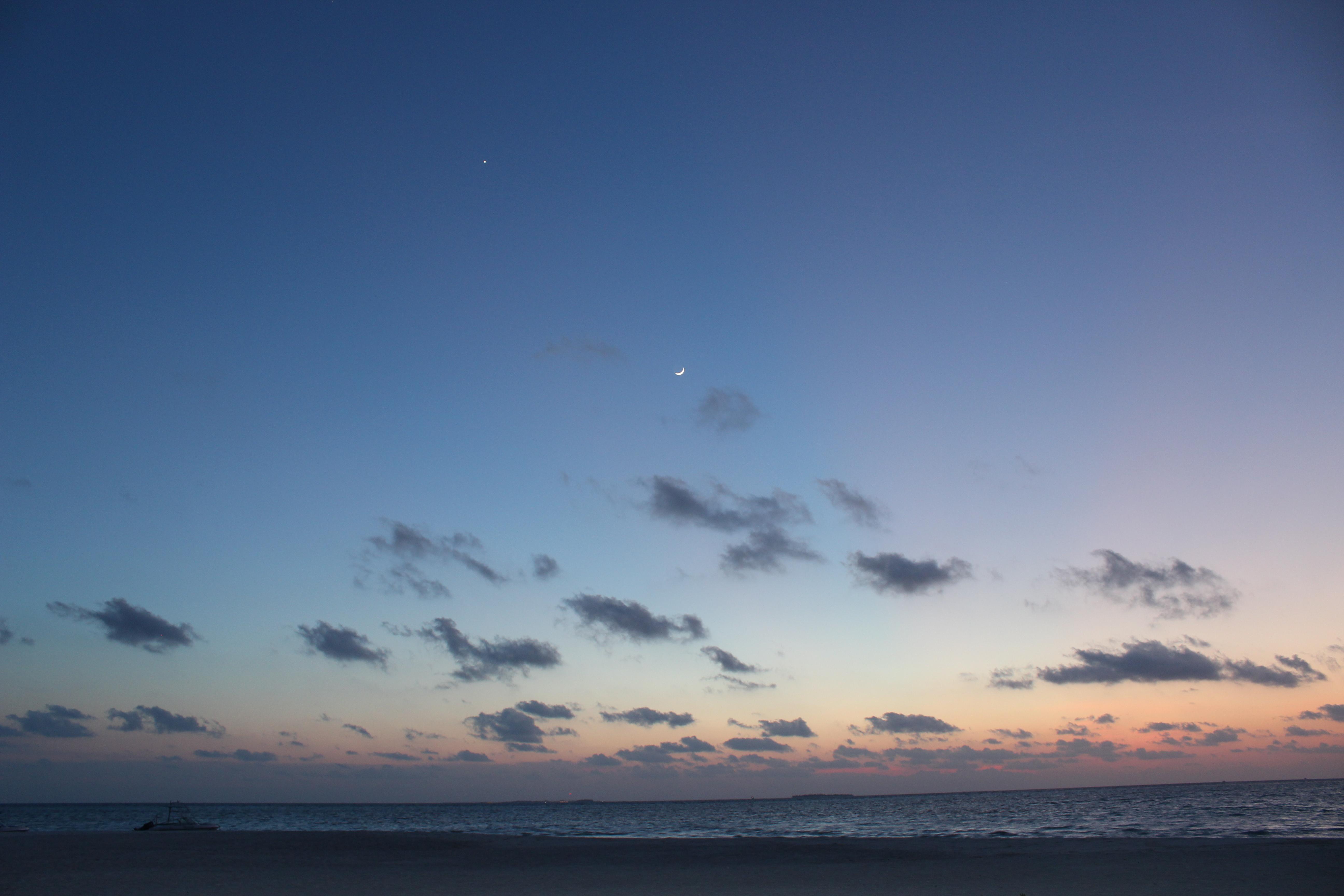 晚霞,月亮和星星