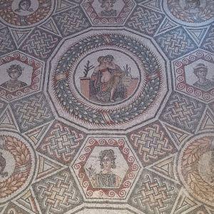 卡萨尔的罗马别墅旅游景点攻略图