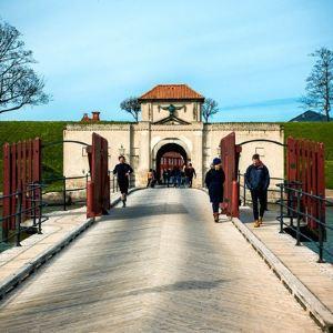 卡斯特雷特城堡旅游景点攻略图