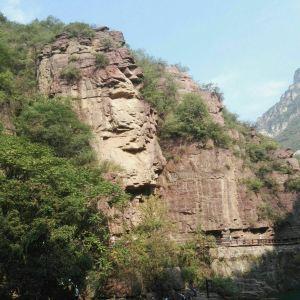 红石峡玉面大佛旅游景点攻略图