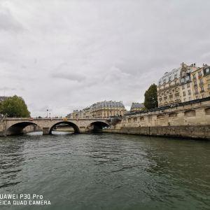 巴黎圣母院旅游景点攻略图